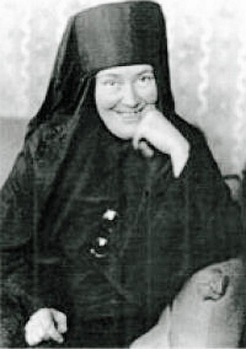 Монахиня мать Мария.