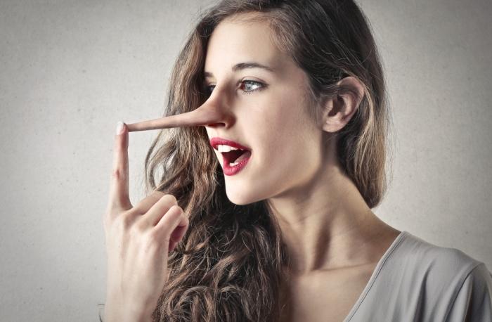 От рисовой муки до детектора лжи: как можно определить, что человек нагло лжёт