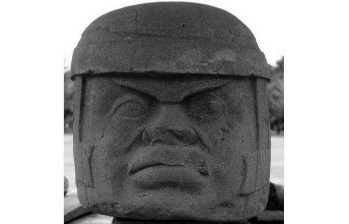 Памятник А из Трес-Сапотес.