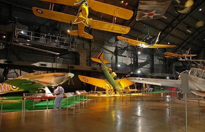 Музей предлагает  туры по своей территории.