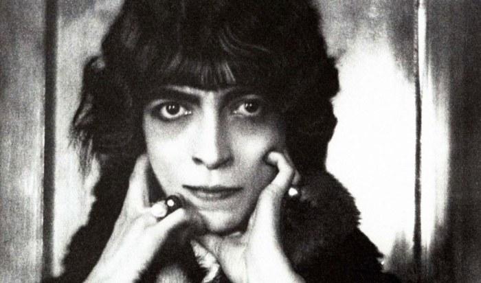 Луиза Казати - светская львица опиумной эпохи и богиня декаданса.
