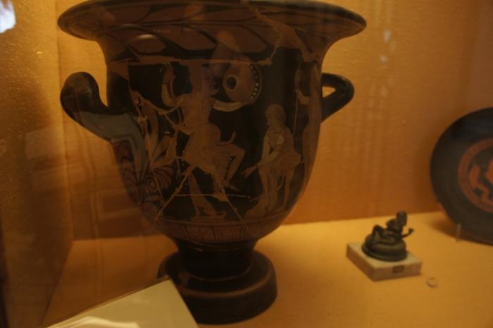 Откровенные рисунки на амфорах - обычное дело для древних римлян.