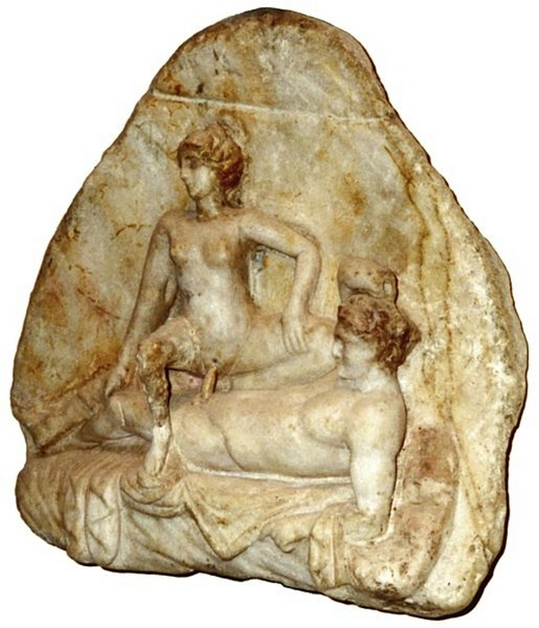 Мраморная статуя из Помпей.