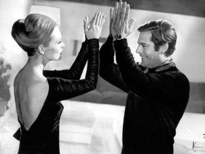 Марчелло Мастроянни и Фэй Данауэй репетируют сцену из фильма «Влюбленные»