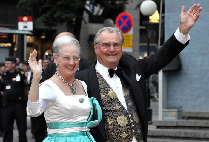 Королева Маргрете II и принц Хенрик.