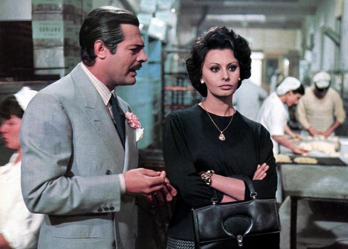 Кадр из фильма «Брак по-итальянски». / Фото: tshirtssoft.weebly.com