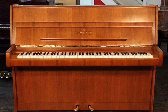 Уникальное фортепино Steinway Z Piano.