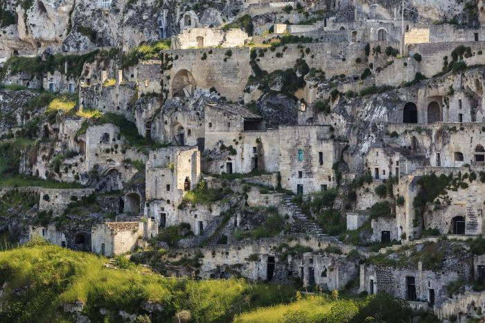 Историческая часть города известна как Сасси ди Матера.