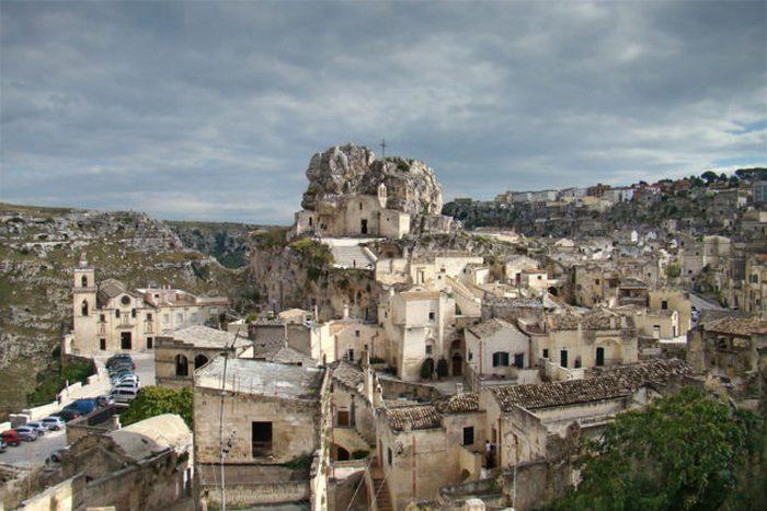 Сасси — исторический центр города.