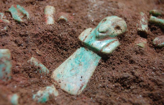 Черные археологи уничтожают памятники. | Фото: dailyoddsandends.wordpress.com
