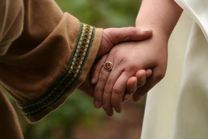 Пикантный факт: священнослужители могли жениться./фото: listverse.com