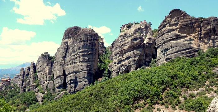 Метеоры расположены в горах Фессалии на севере Греции. | Фото: Светлана Манукян.