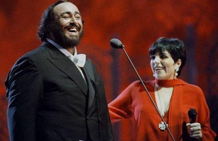 Невероятный дуэт Лучано Паваротти и Лайзы Миннелли.