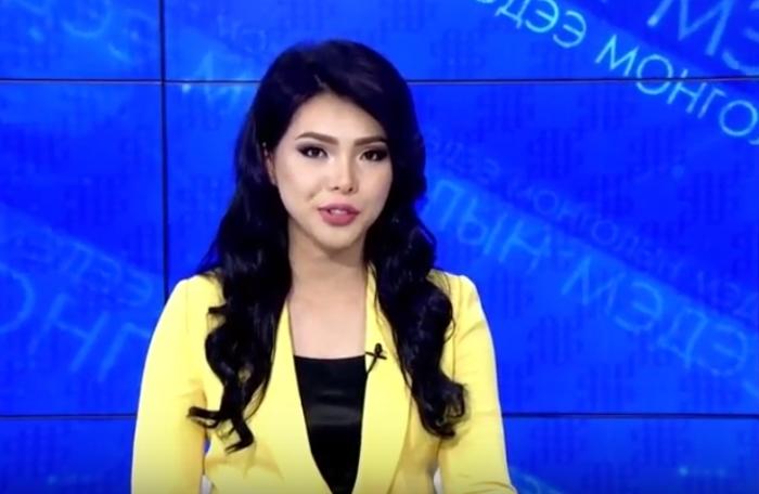 Монгольская телеведущая Д. Одзаяа.