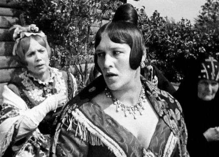 Кадр из фильма «Женитьба Бальзаминова». / Фото: movies.okko.tv