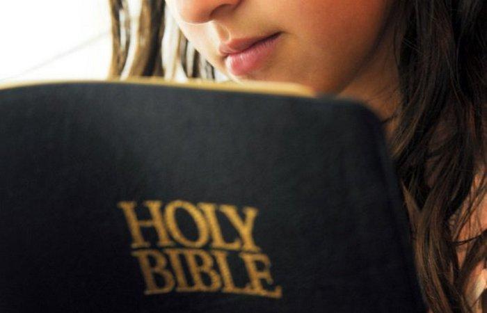Для мормонов Библия — это «слово Божие»./фото: listverse.com