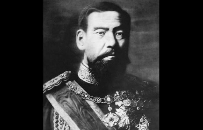 Император Мэйдзи положил конец самоубийствам монахов.