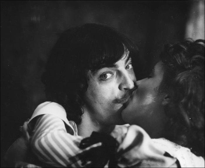 На съёмках Боярский потерял один ус.