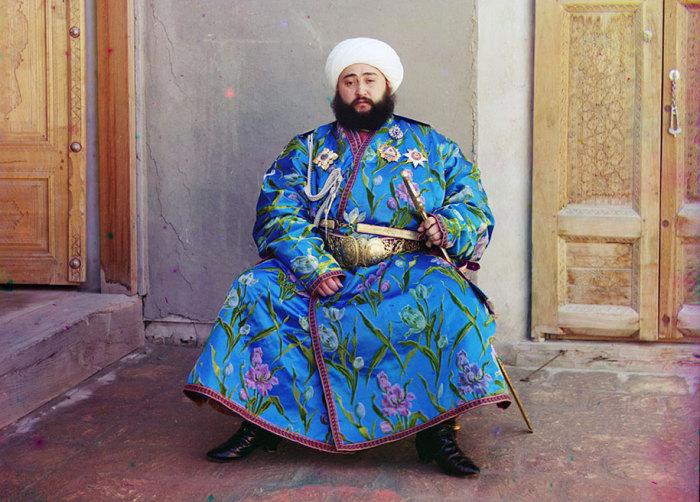 Торжественный портрет бухарского эмира Алим Хана.