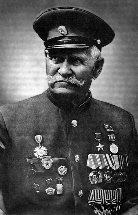 Константин Иосифович Недорубов. Казак, полный георгиевский кавалер и герой Советского Союза.