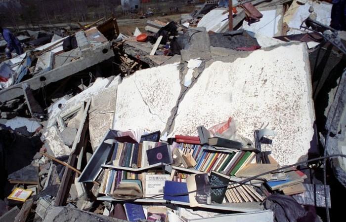 Под завалами оставались живые.../ Фото: rosexpertpravo.ru