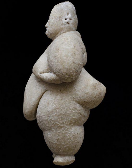 Полная фигура символизируют мудрость./фото: hyperallergic.com