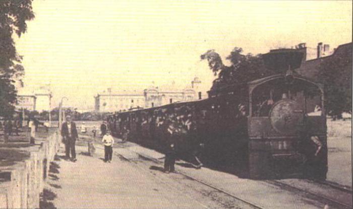 Один из первых одесских трамваев.