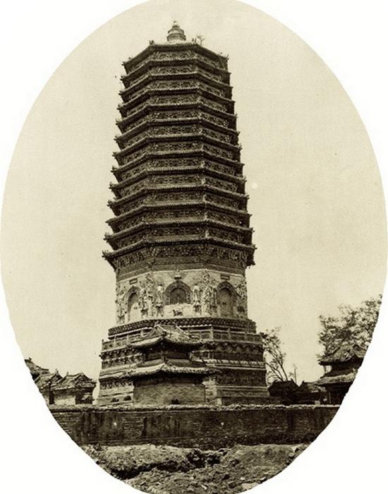 Пагода Тяньнин - одно из самых старых зданий в Пекине.
