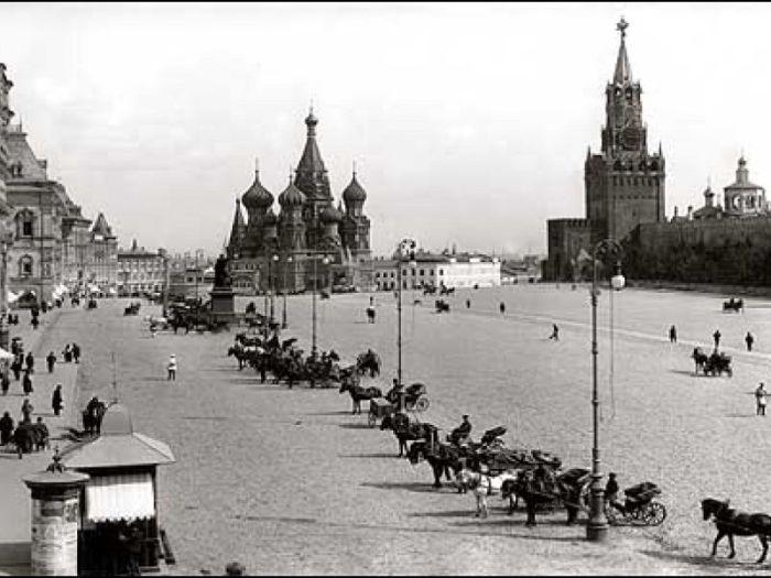 Извозчики в старой Москве.