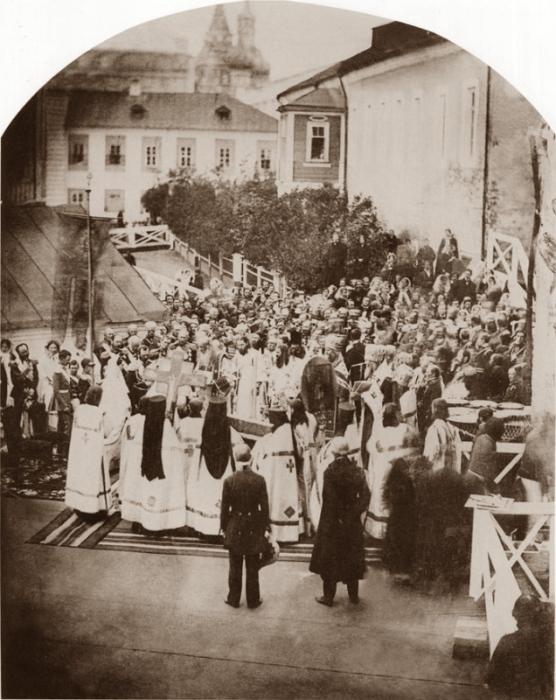 Молебен на Варварке в честь восстановления палат Романовых.