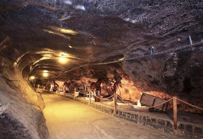 Соляные шахты в Величке