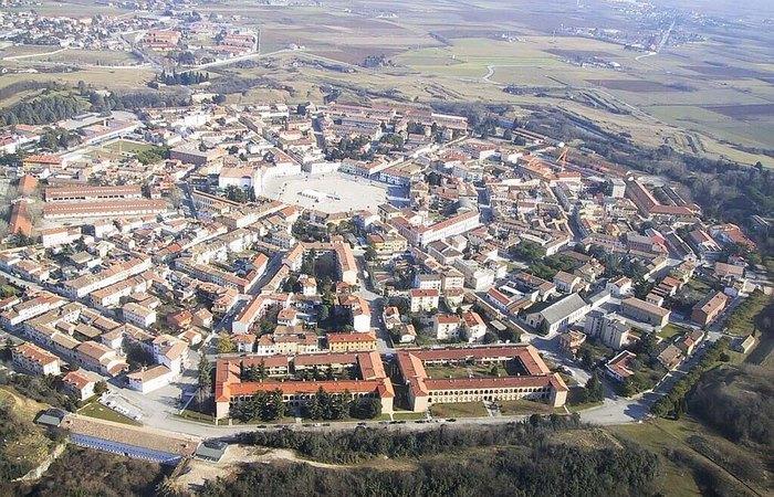 Город Пальманова на севере Италии.