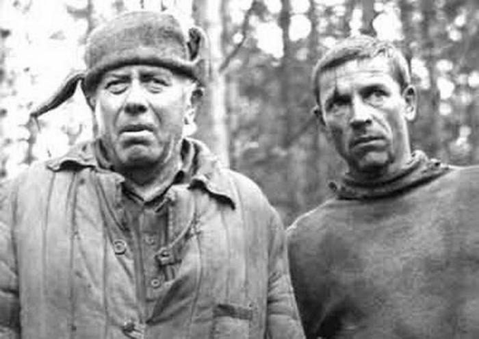 В кадре Анатолий Папанов и Валерий Приемыхов.