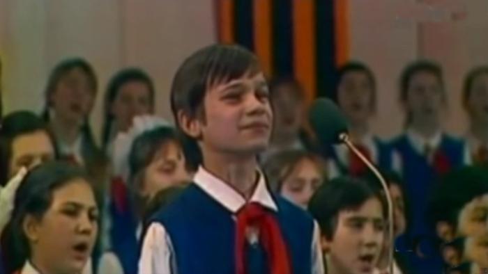 Серёжа Парамонов на правительственном концерте.