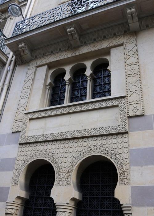 Баня была построена в 1876 году по проекту архитекторов Альберта Дюкло.