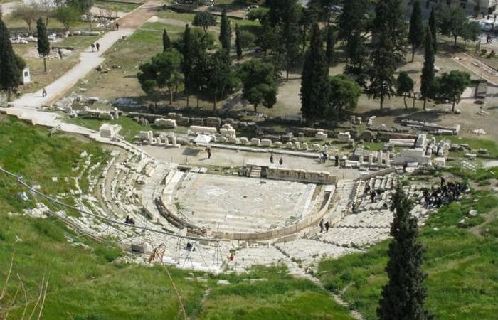 Театр Диониса - первый театр в истории