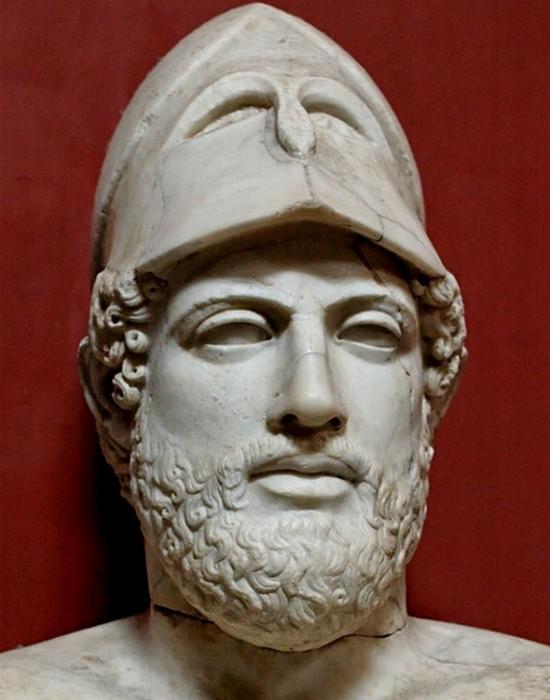 Перикл - инициатор строительства Парфенона.