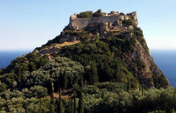 Неприступная крепость. фото:list25.com