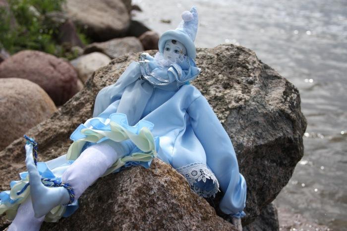 Пьеро в голубом. Мастер Екатерина Пустовалова.