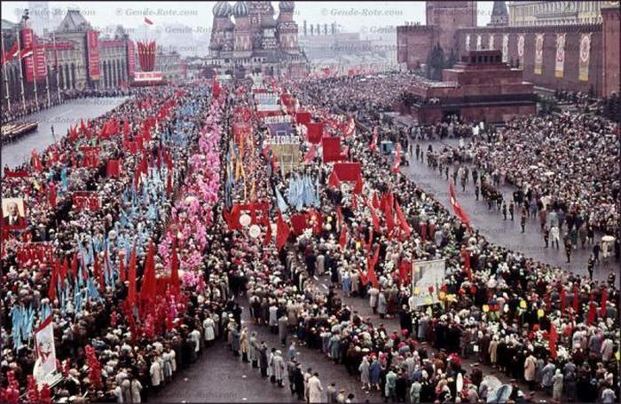 Красная площадь. Москва. Первомайская демонстрация.