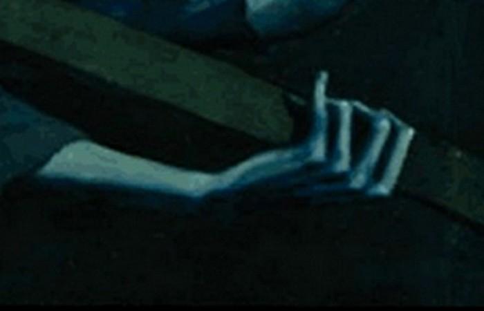 Конечности преувеличенно удлиненны - дань творчеству Эль Греко.