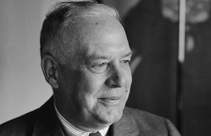 Американский модернист Уоллес Стивенс.