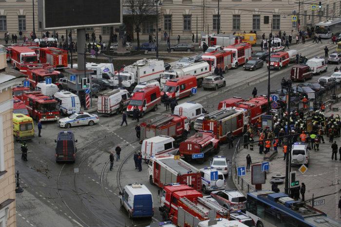 Движение перекрыто, назревает транспортный коллапс. \ Фото: Reuters