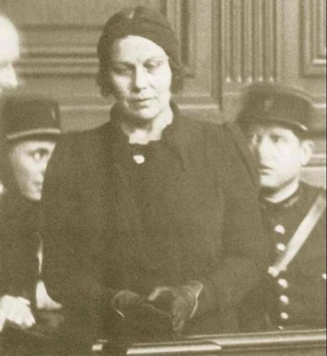Надежда Плевицкая в зале суда.