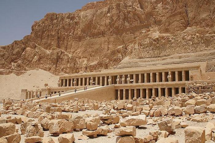 Погребальный храм Хатшепсут