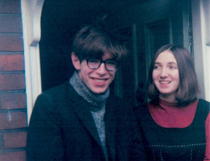Молодые и полные надежд Джейн и Стивен.