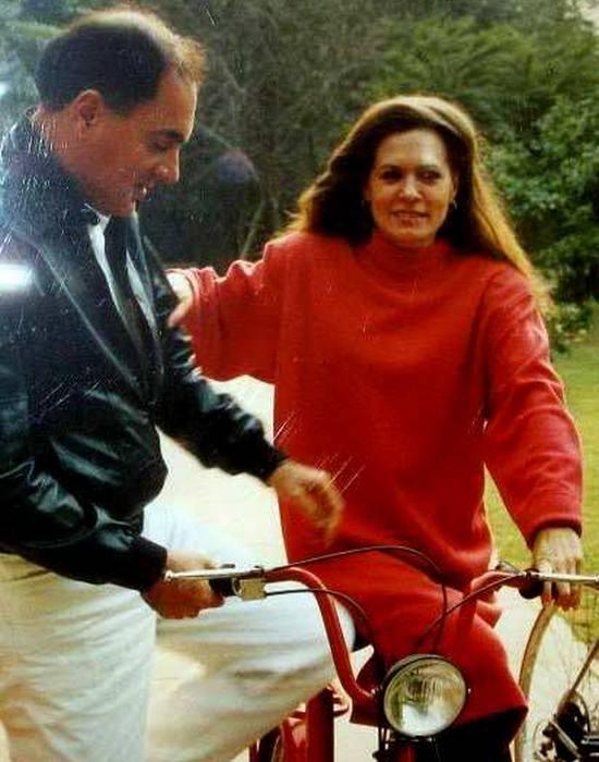 Раджив и Соня Ганди - всегда вместе. / Фото: tophaircut.us