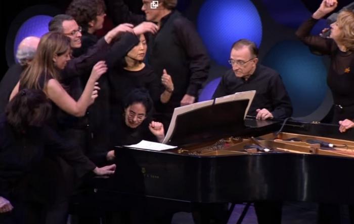 Венгерская рапсодия Листа в 24 руки на одном фортепиано