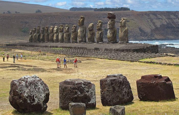 Самые известные моаи.