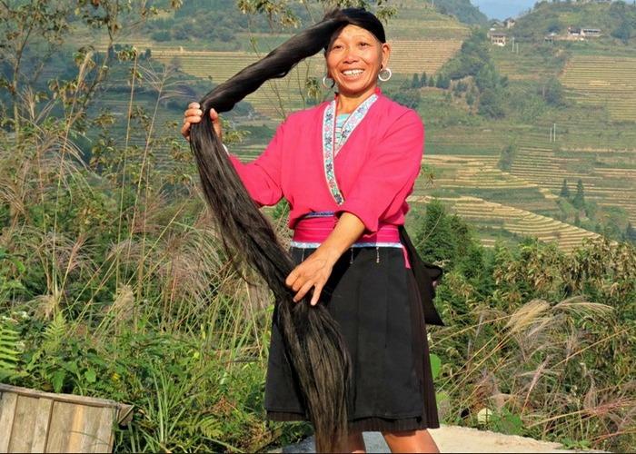 Женщины в Хуанлу стригут волосы один раз в жизни.